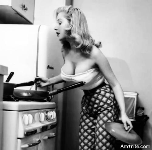 Preparing dinner at your girlfriend's house can be quite a surprise, when she doesn't know she's your girlfriend. <strong>Amirite?</strong>