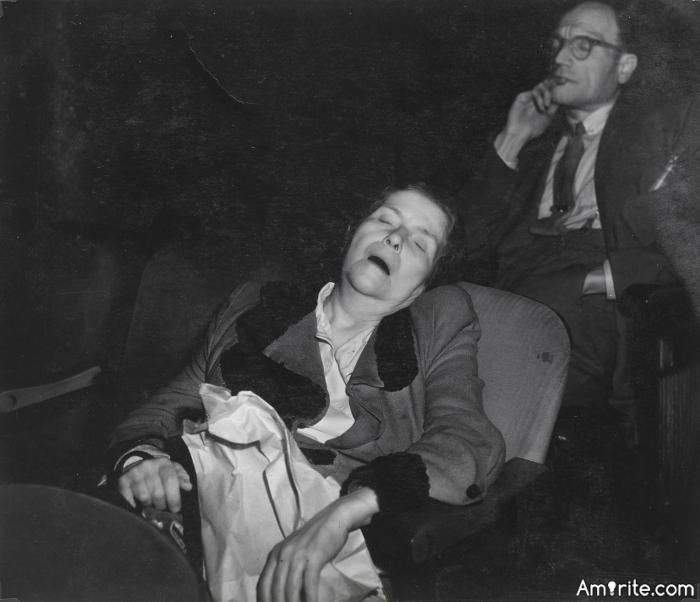 ✪ <em>Do you ever fall asleep at the movies?</em> ✪