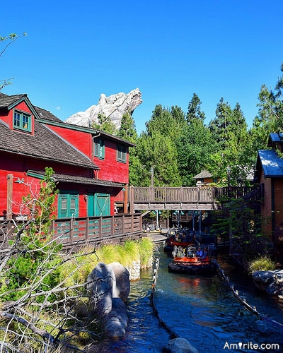 Would you rather Drink a fish or eat a river rapids ride?