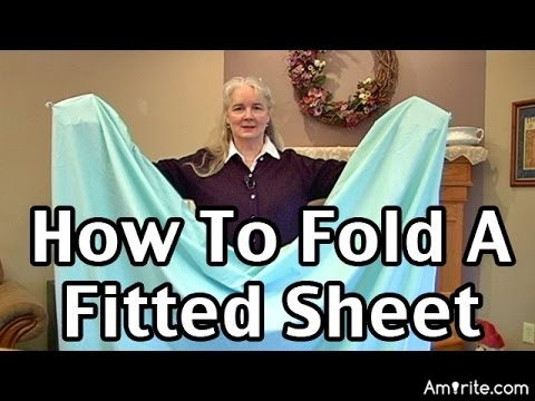<b>Can you fold a fitted sheet?</b> <em>Or do you simply scrunch it up?</em>