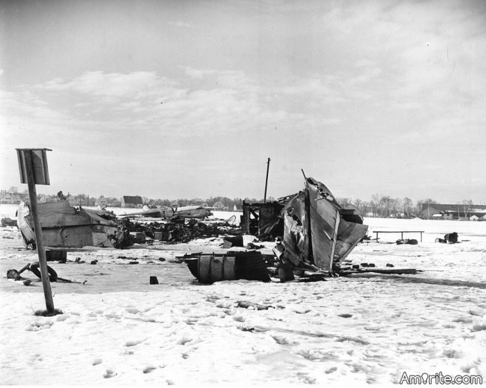 The 1958 flight accident, in Münich, which killed most of the Manchester United players, was due to the amount of slush on the runway and not a a result of a pilot error.
