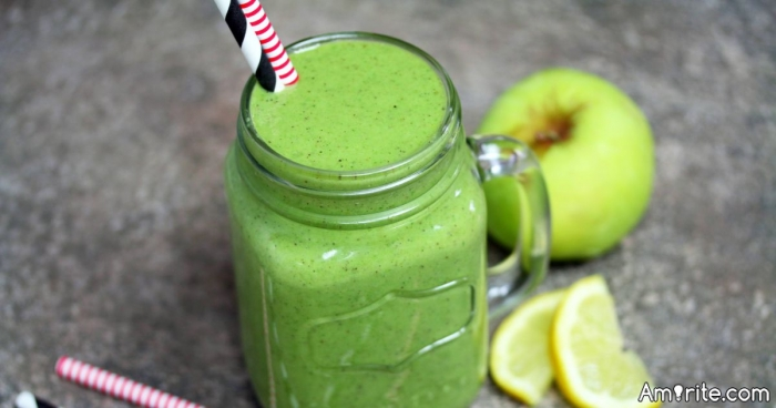 <b>A smoothie for breaky might be fun in the summer...but what about when it's cold and raining?</b> <em>Amirite?</em>