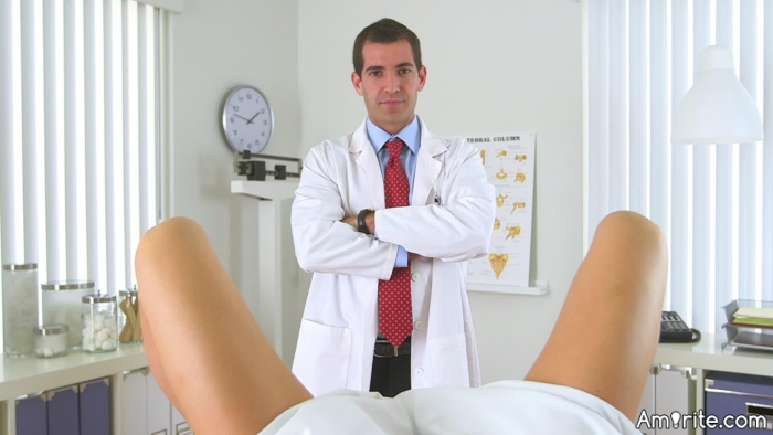 ⚖️ Would you attend a gynecologist's appointment if you knew it was going to be in front of medical students? ⚖️