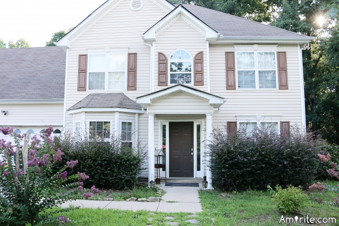 <b>Like a house...does a person need curb appeal?</b>