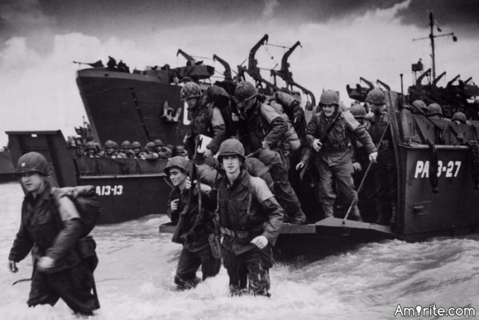 Original Patriots stopping a large Nazi gathering. <strong>Amirite?</strong>