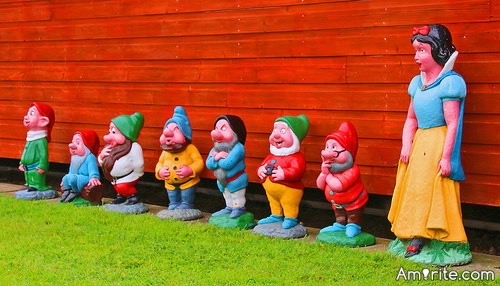 <b>Today - which one of these dwarves are you?</b> <em>Lusty, Sneaky, Gormless, Snookie, Sordid, Hopeful, Sucky, Happy, Listless, Sexy, Smoothy, Grouchy, Snooty, or Poopie?</em>