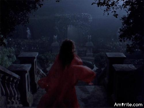 The best scary movie I know of, is Bram Dracula (1992), there's a scene I like a lot, Ravishing Lucy (1992), what was your favourite movie/scene ?