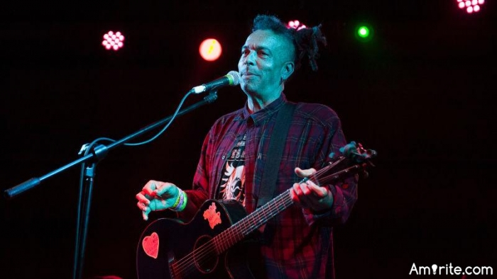 RIP Chuck Mosley...... thanks for the sounds.