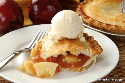 Pie with ice cream is great.