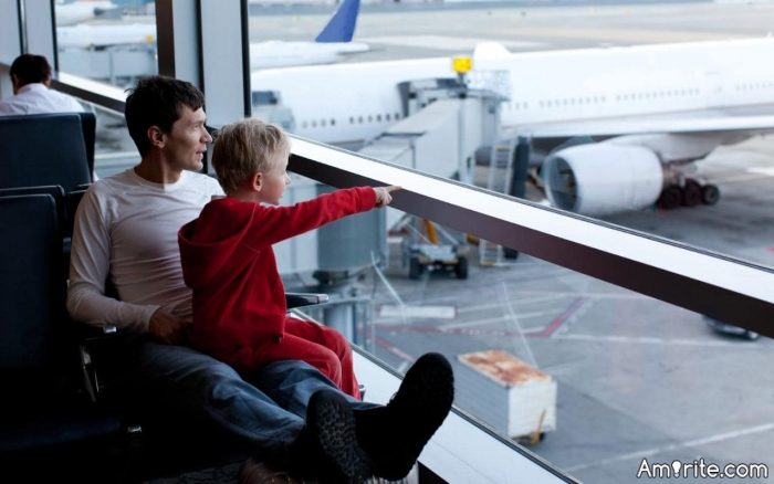 What do you like to do when waiting at the airport?